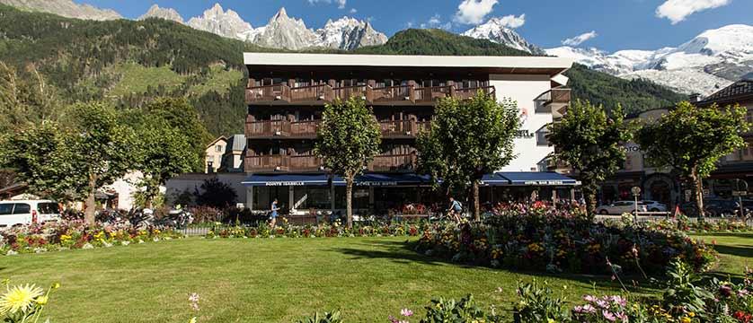 Hotel Pointe Isabelle, Chamonix, France - Exterior summer 2.jpg